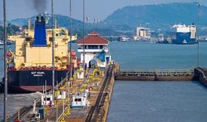 Schifffahrt durch den Panamakanal