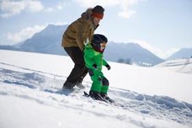 Im Winterurlaub in die Skischule
